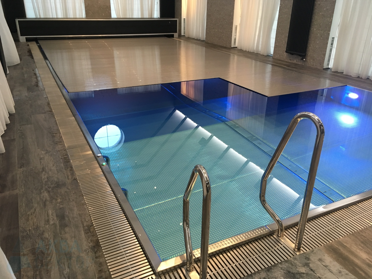 Indoor overflow swimming pool 12х5